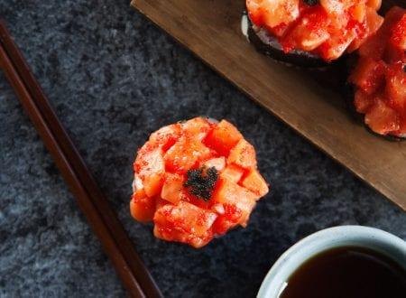 Diablo Blossom, soy sauce and chopsticks| Blossom Diablo, sauce soya et baguette